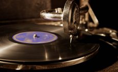 How to Choose Portable Record Player for Your Listening Pleasure